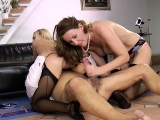 Pussyfucked UK milf bouncing on cock